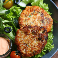 Salmon Cakes Using Dehydrated US Potatoes