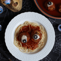 Spaghetti and Eyeballs Meatballs