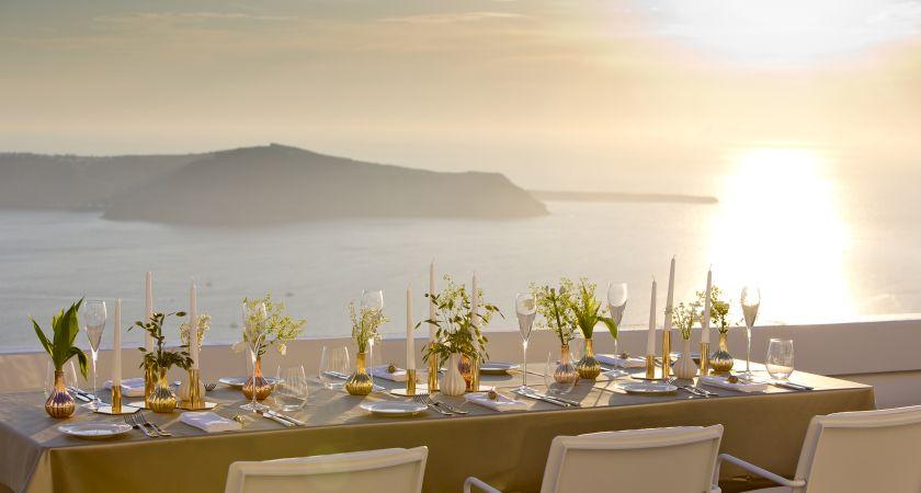terrace-dining-grace-santorini