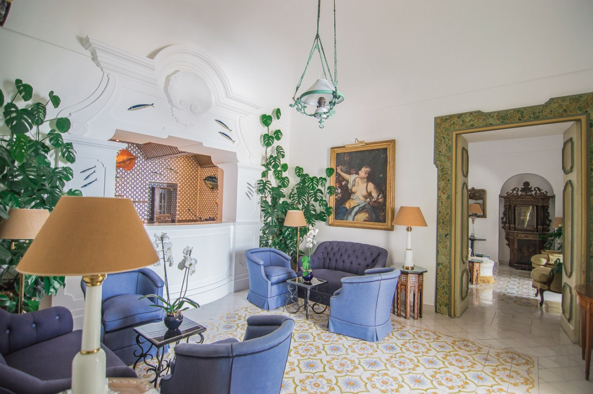 Le Sirenuse Positano living room decor