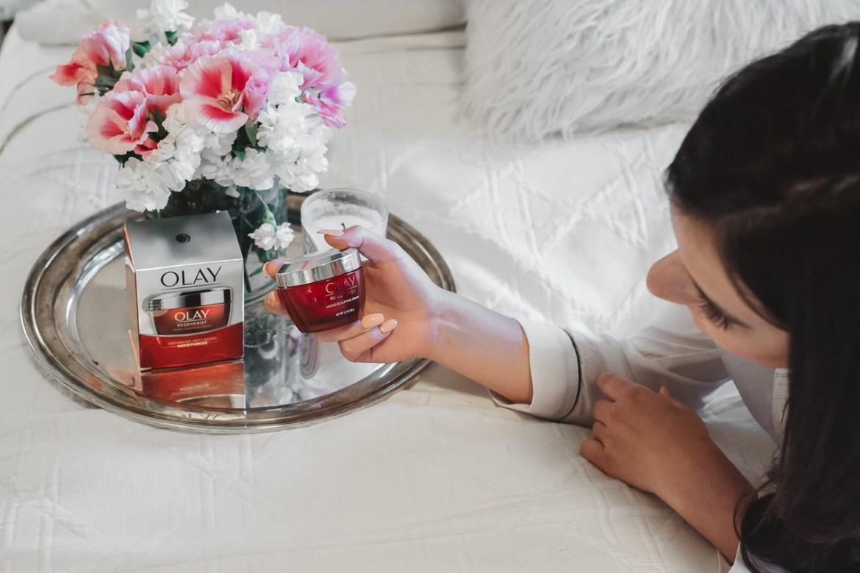 Olay Regenerest Micro-Sculpting Cream (20 of 20)