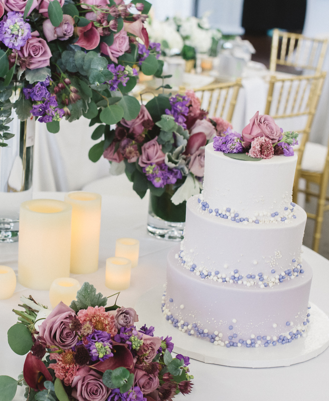 Lavender and Dusty Rose Wedding Cake Flowers Table Setting