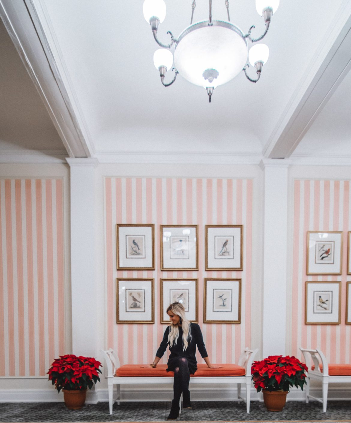 Pink-striped-walls-homestead-hotel