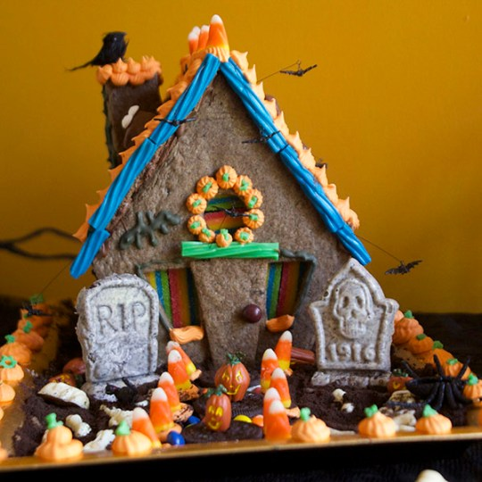 Haunted Halloween Cookie House sq