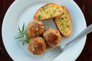 Wild Mushroom Italian Meatballs served with garlic brushetta. Recipe by @petitecook