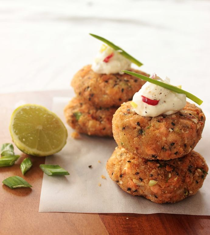 salmon fishcakes recipe - thepetitecook.com