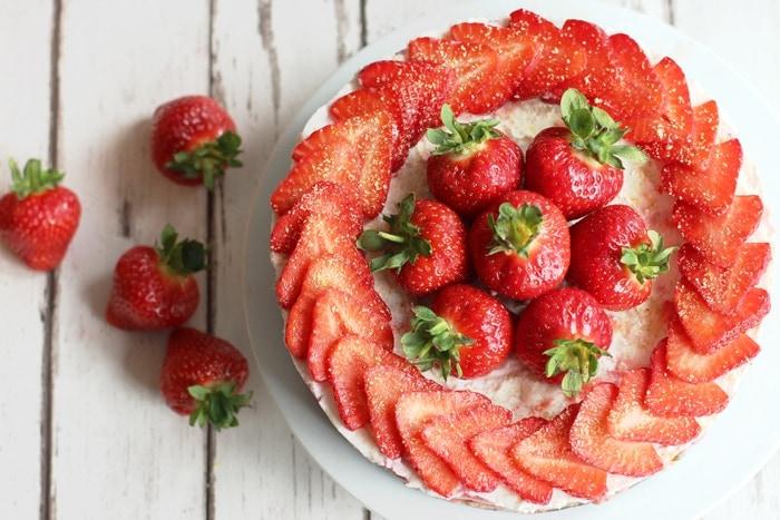 Easy No-Bake Strawberry Cheesecake - #Healthy #Summer Dessert #Recipe