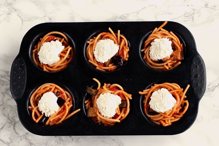 Sicilian Norma Spaghetti Cupcakes - This recipe combines the traditional flavours of sicilian pasta alla norma with a fun cupcake shape for an epic combo that will impress your guests! Recipe by The Petite Cook