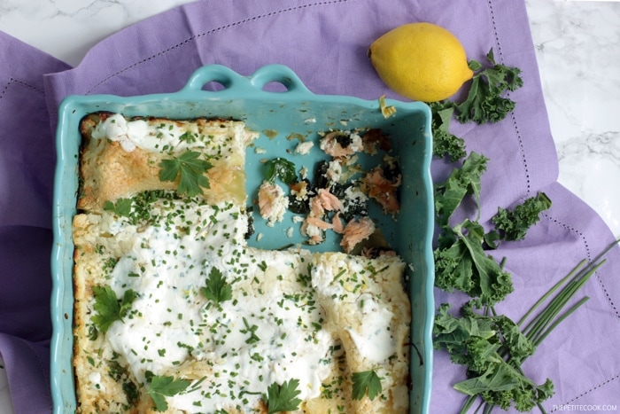This healthy Superfood Salmon Lasagna with Kale is sure to become a family favorite. Quick & Easy, ready in 40 min and made with fresh, simple seasonal ingredients. Recipe by Thepetitecook.com