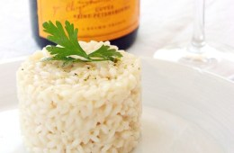 20-min Champagne Risotto - An easy and elegant entrée for any special occasion - Gluten-free and vegetarian, it makes a perfect starter for Christmas and New Year's Eve parties! Recipe from thepetitecook.com