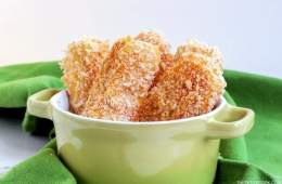 Crispy, Cheesy Baked Mozzarella Sticks - Easy, simple vegetarian appetizer ready in 30 mins, so much healthier than traditional fried mozzarella sticks. Recipe from thepetitecook.com