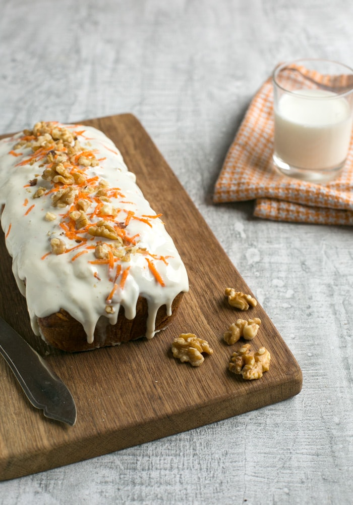 What happens when crunchy carrot cake meets moist banana bread? Carrot cake banana bread! Healthy, delicious and super easy to make! Recipe from The Petite Cook
