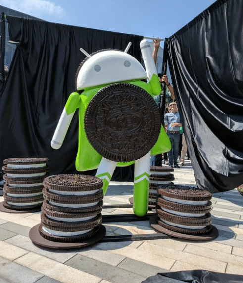 Android 8.0 Oreo statue