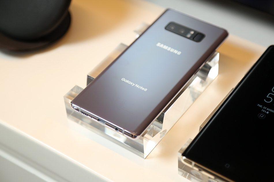 Samsung Galaxy Note 8 Hands-on rear