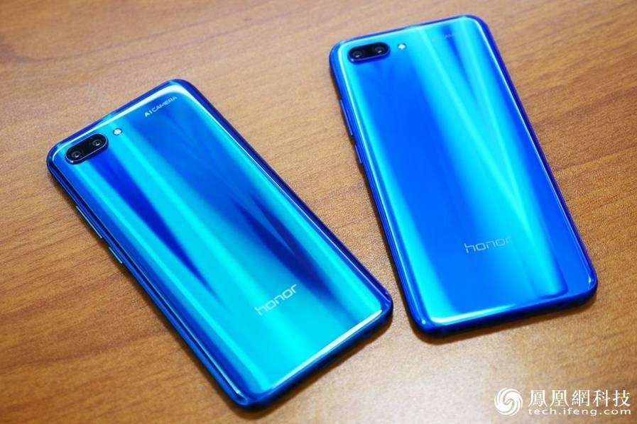 Huawei Honor 10 Hands-On Review Back