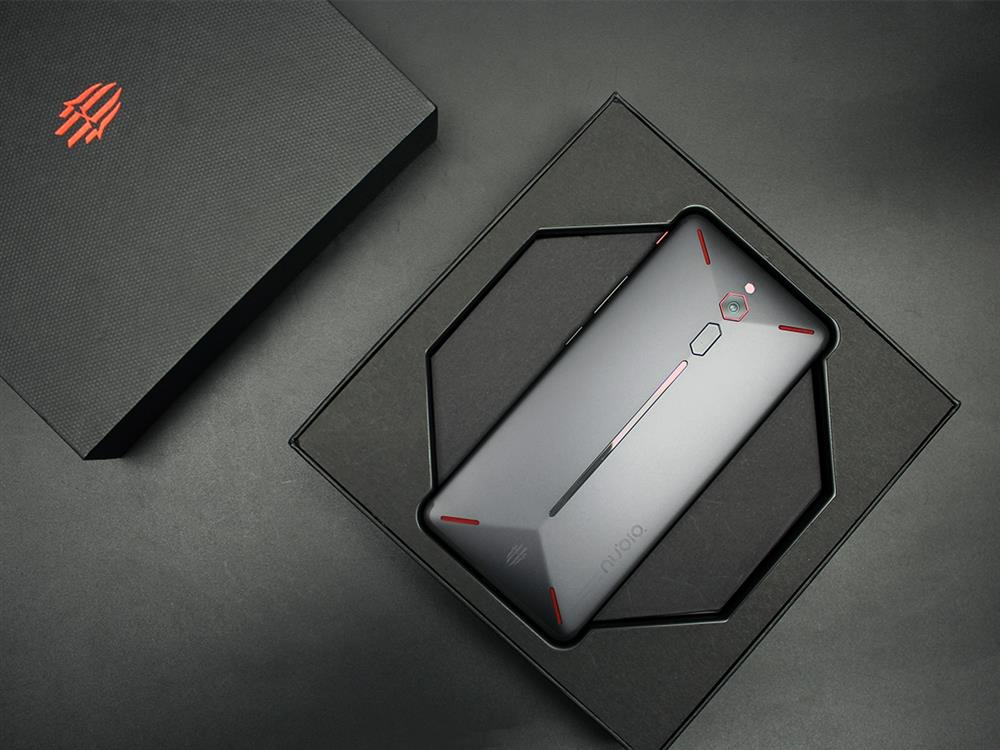 ZTE Nubia Red Magic Unboxing Review Package