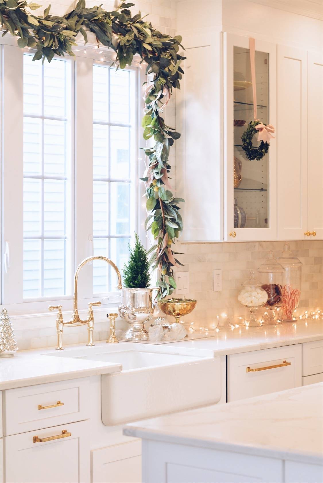 Elegant Christmas Part Ii Christmas Kitchen Decor The Pink Dream
