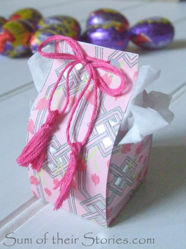 Easter egg box with tassels