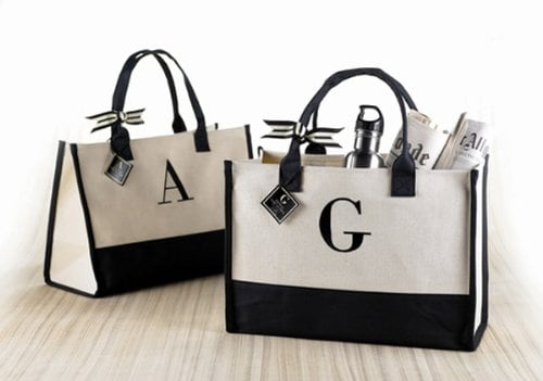 10+ Smarter Gifts Ideas Teachers will Love: Initial Canvas Tote | www.thepinningmama.com