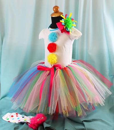 10+ Adorable Tutu Halloween Costumes: Clown   www.thepinningmama.com