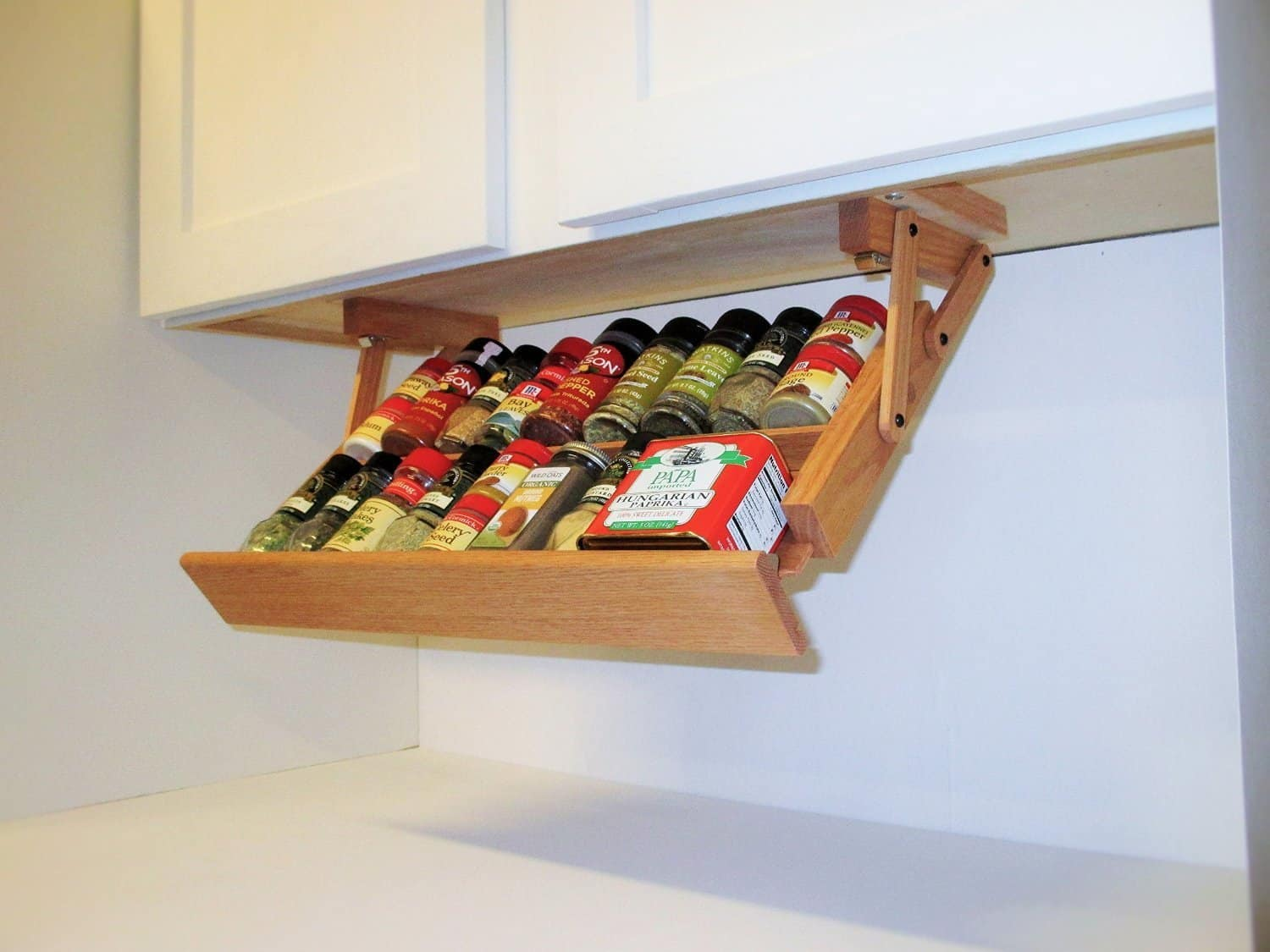 10+ Best Ways to Organize Spices | www.thepinningmama.com