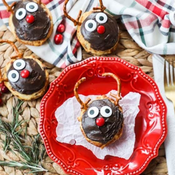 Reindeer Cinnamon Rolls - Yummy Holiday Breakfast