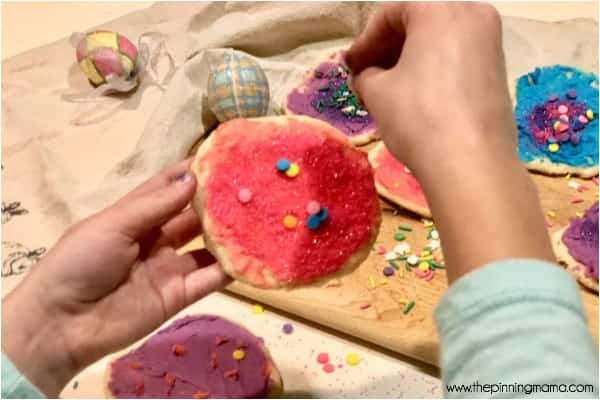 Decorating Easter Cookies for Kids School parties.