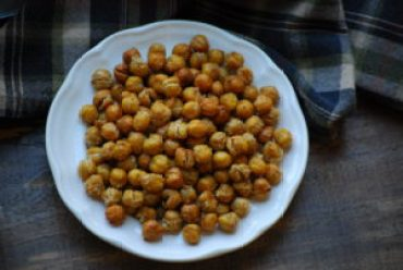 Garlic Salt Roasted Chickpeas
