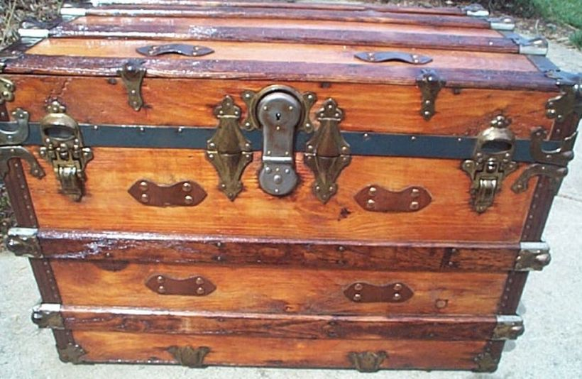 Old Trunk Decorating Ideas Jidiletter Co