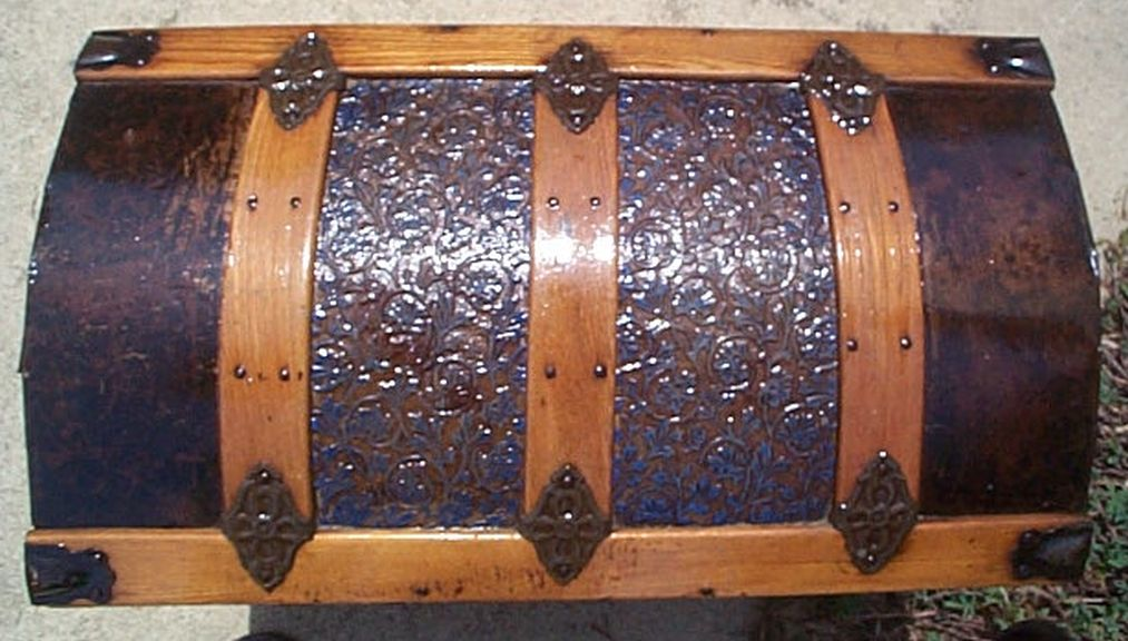 372 Restored Steamer Trunks For Sale Pressed Tin Dome
