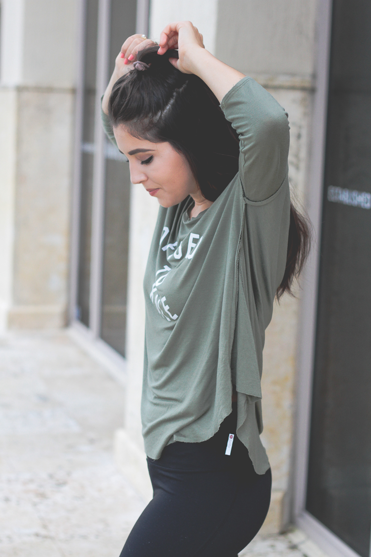 Savannah Jayne of The Plain Jayne shares her favorite leggings.