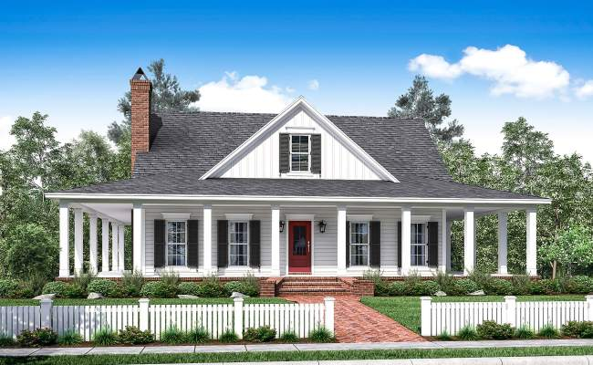3 Bedrm 2084 Sq Ft Southern Home With Wrap Around Porch
