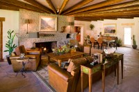 Southwest Style Home: Traces of Spanish Colonial & Native ...
