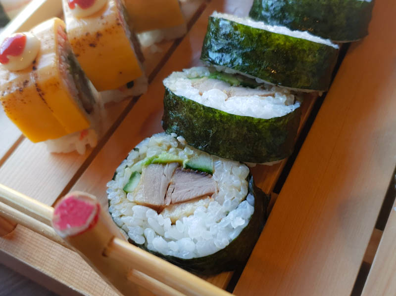 duck fotomaki sushi life roath wellfield