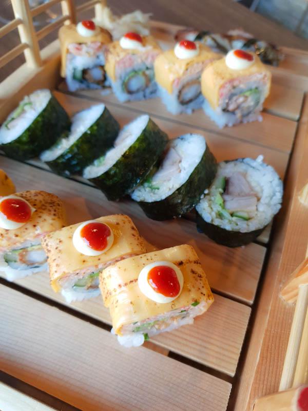 manhattan maki roll sushi life cardiff