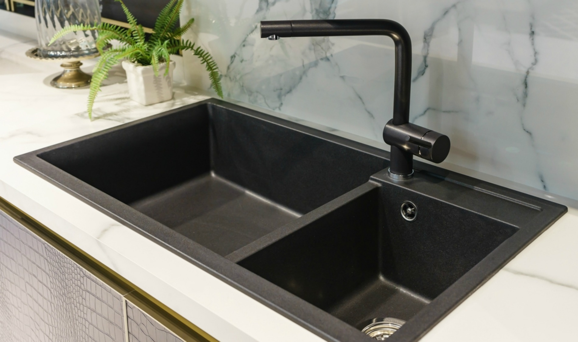What You Need to Know When Buying a Black Kitchen Sink