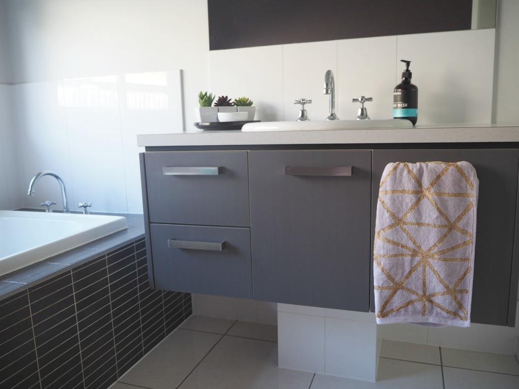 Where To Hang A Hand Towel The Plumbette