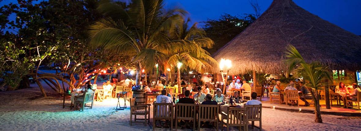 The Best Bars in Aruba for your Honeymoon