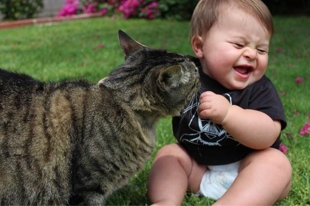 copil-cu-pisica