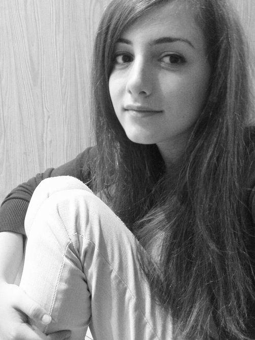 poze fete singure)
