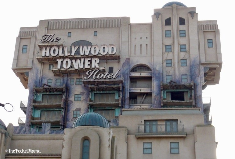 insegna del tower hollywood hotel a disneyland paris