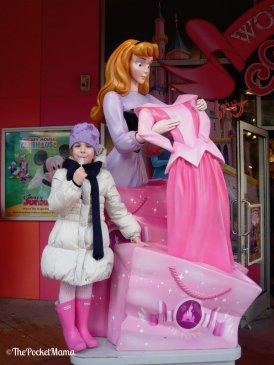 statua di Aurora al Disney Village