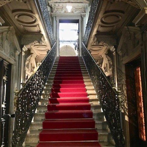 scalone d'ingresso museo Bagatti Valsecchi