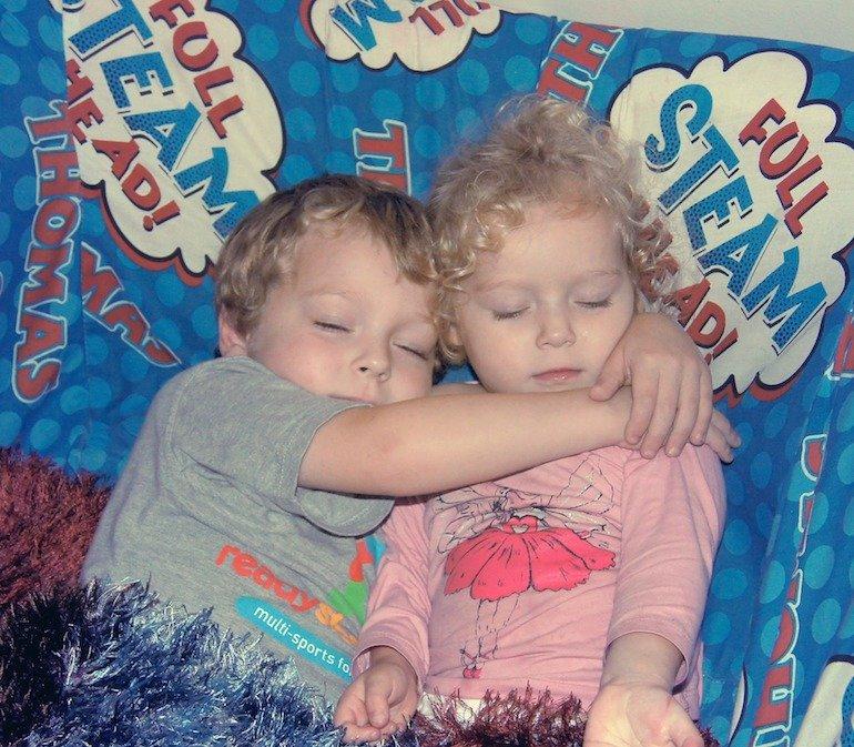 metodo per far addormentare i gemelli
