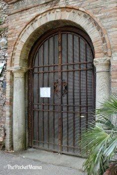 ingresso grotte tufacee santarcangelo di romagna