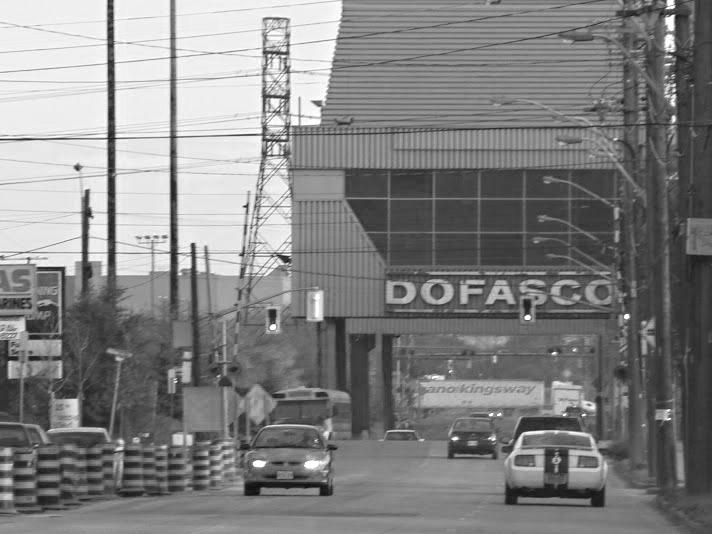 Looking north on Ottawa St to Dofasco sign.