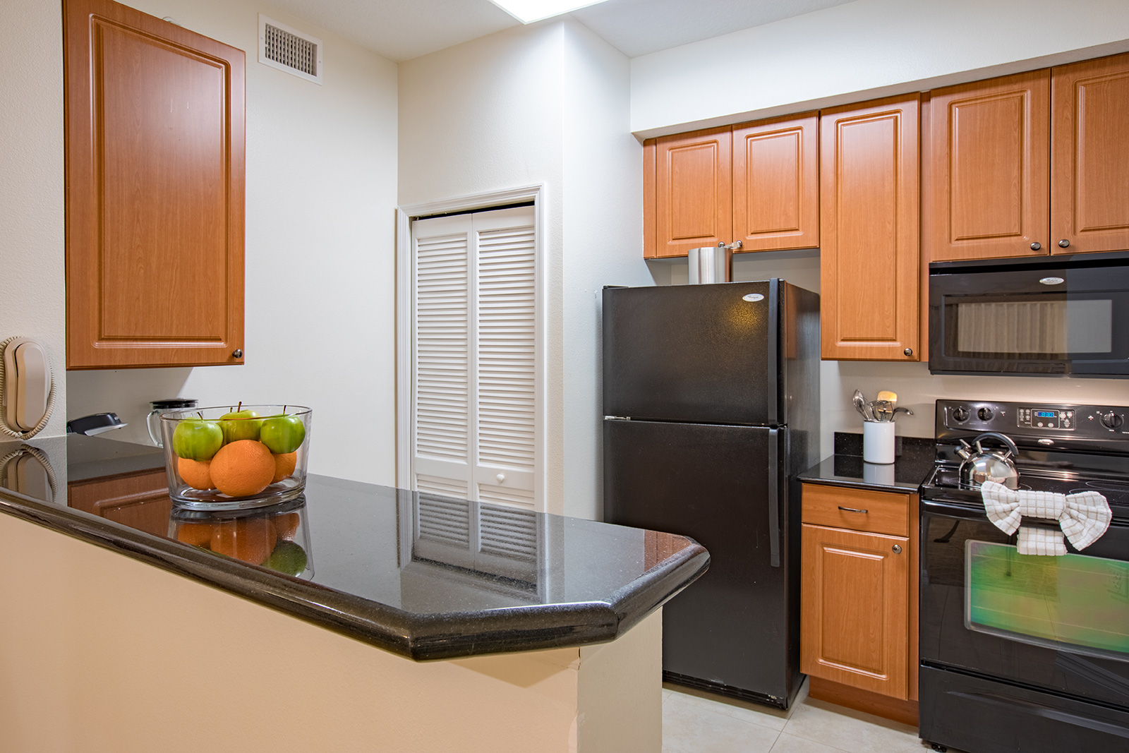 hotels with full kitchens in orlando florida small kitchen plans all suite one and two bedroom resort suites link to larger item photo listitemcarouselimage2