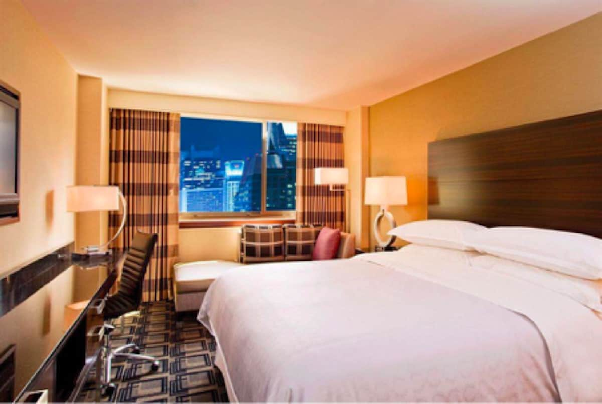 Budget Tip Score Hotel Rooms for Less with Roomer Travel