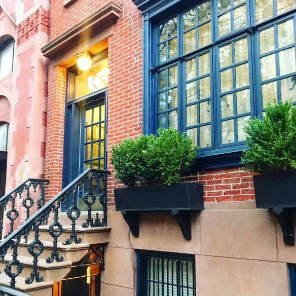 NYC townhouse photo by Christina Dandar for The Potted Boxwood 3