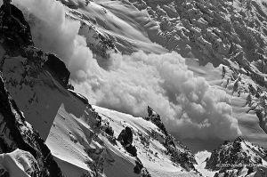 big powder avalanche